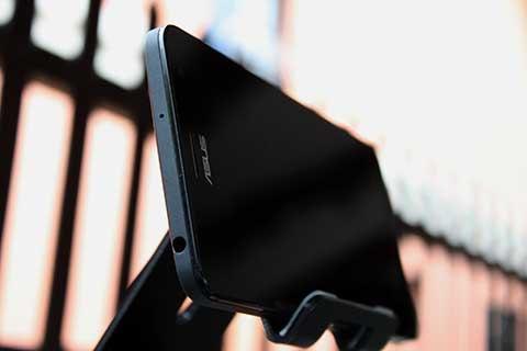 ASUS-Zenfone5-Lite-6
