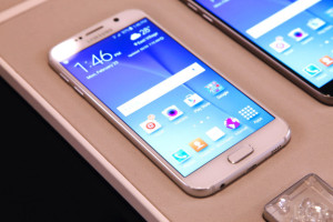 Smartphone Terbaik pada Bulan Juni 2015