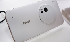 Asus Zenfone Zoom Lolos Sertifikasi TENAA: RAM 4 GB & 3x Pembesaran Objek